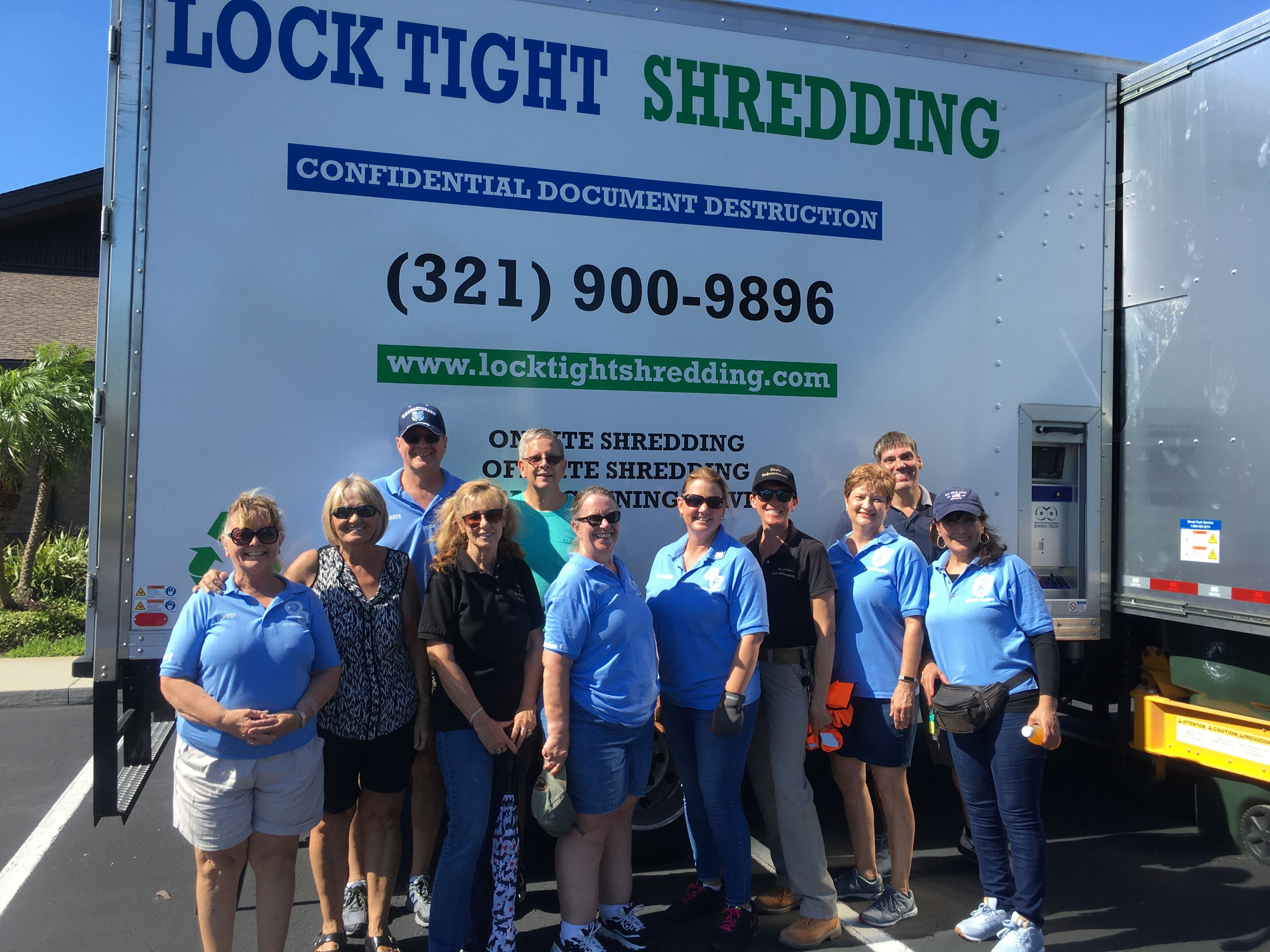 Shred Event 2019 volunteer group photo